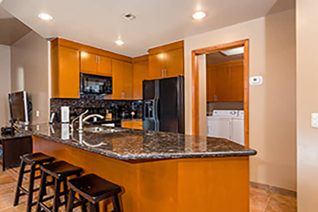 kitchen cristal condo amenities